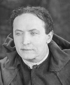 Harry Houdini. Reproduced by permission of Archive Photos, Inc.