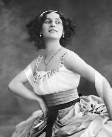 Anna Pavlova. Reproduced by permission of the Corbis Corporation.