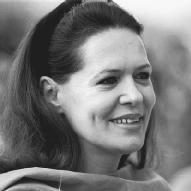 Sonia Gandhi Biography - life, family, children, parents, name ...